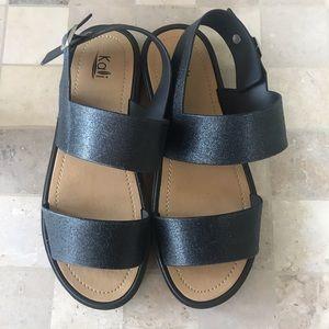 🦋NWOT Kali Black Sandals in EUC.